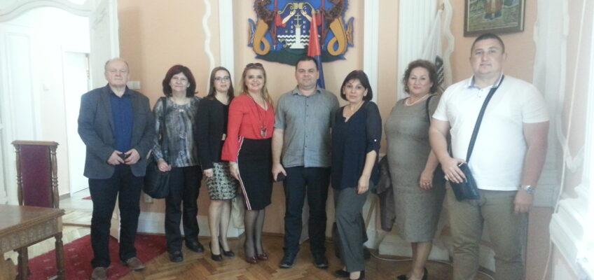 Четврти састанак директора центара за социјални рад Сремског региона одржан је 20.04.2018. године у Руми. Састанак је одржан у Дневном центру/боравку за децу и младе са сметњама у развоју у Руми.