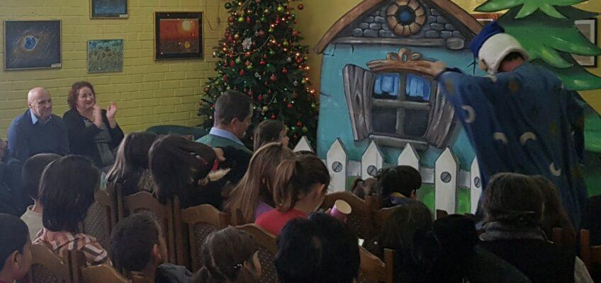 новогодишња представа за децу из хранитељских породица